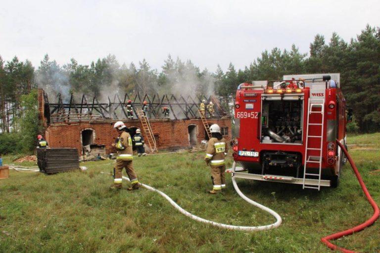 Pożar budynku gospodarczego