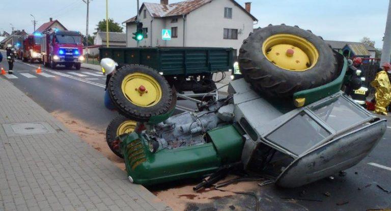 Kolizja ciągnika z autem osobowym