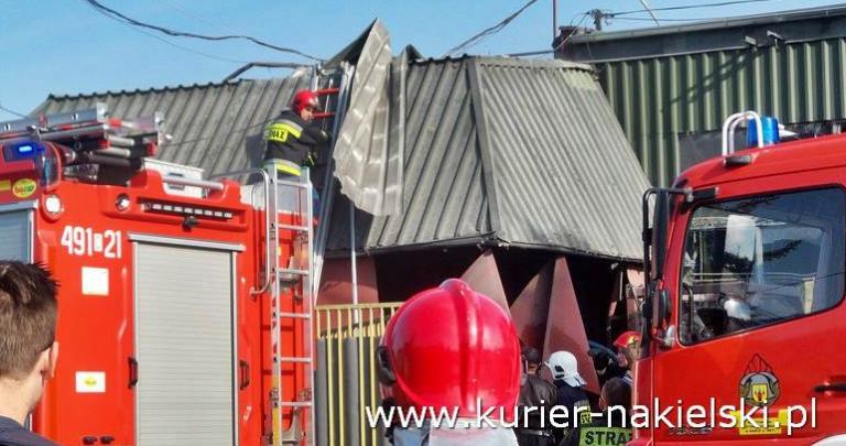Eksplozja na terenie firmy, na miejscu kilka zastępów straży pożarnej !