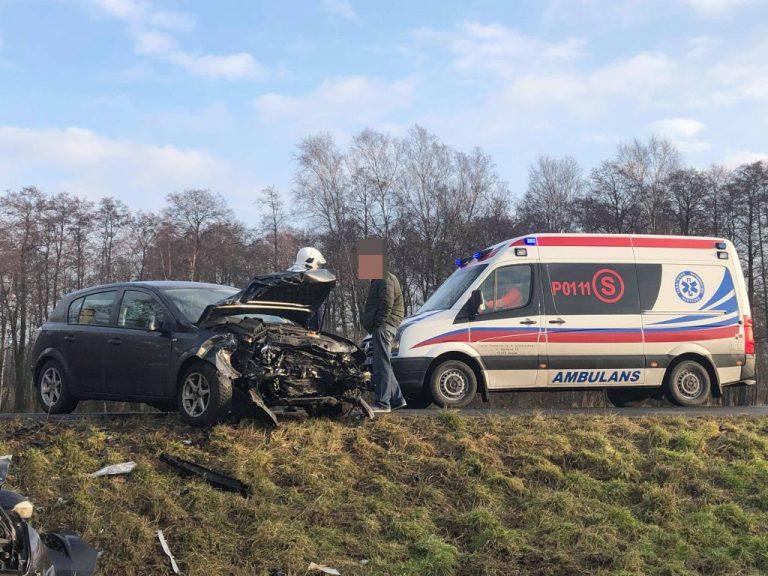 Wypadek pod Sypniewem. Dwie osoby poszkodowane