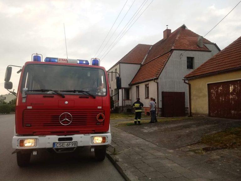 Wałdowo: Uszkodzone opierzenie dachu